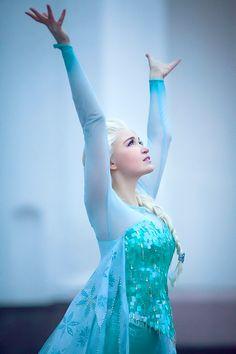 Queen Elsa by Usagi-Tsukino-krv.deviantart.com