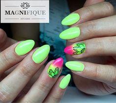 Neon yellow Green nails #nailstagram #nails #nailpolish @indigonails #neongreen #neongreennails #neonyellownails #gelnails #indigonails #ombrenails #neonnails #neongrün #neonnägel#summernails #paznokcienapoziomie #paznokcienalato #paznokcieneonowe #neonowepaznokcie