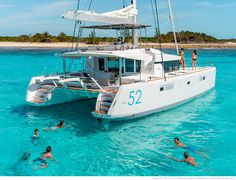 Lagoon 52 F - Kat Marina Outside: Elegance, comfort and safety In addition to sleek taut lines that confer a dynamic elegance promising great performance, the Lagoon 52's exterior design is focused on comfort and safety…