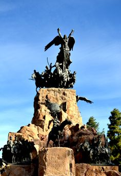 Top 10 experiences in Mendoza City by Ruta Mendoza What Goes On, Statues, Statue Of Liberty, Places Ive Been, To Go, City, Travel, World, Paths