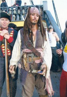 """On set of """"Pirates of the Caribbean at World's End"""" Caribbean Jacks, Pirates Of The Caribbean, Marlon Brando, Michael Jackson, Jack Sparrow Costume, Johnny Depp Pictures, Johnny Depp Movies, Pirate Life, Beautiful Costumes"""