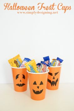 Pumpkin Halloween Treat Cups- so easy! I bet these would be a great addition to a kids' Halloween party...
