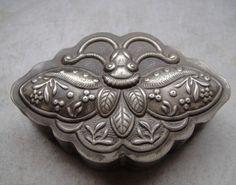 Chinese Old Tibetan silver Copper hand-carved dragon Carmine box powder box YR