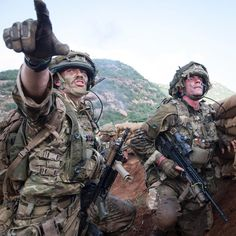 Target indications are given during an attack. The British Army's airborne rapid reaction force has once again proven its ability to deploy and fight at short notice in some of Africa's most challenging environments. Soldiers of the 3rd Battalion The Parachute Regiment, together with their attached supporting units, are honing both their fighting and their field-craft skills on the baked Kenyan Savannah as part of the six-week long Exercise Askari Storm. @16airassaultbrigade #BritishArmy…