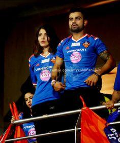 Virat Kohli and Anushka Sharma my favorite couple  4ever..  Love uuu both dear..