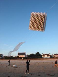 Three Cubes Kite