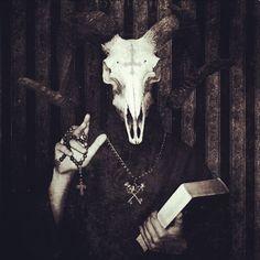 Good night ➕ #goodnight #goodnightworld #art #filter #darkphotography #666 #satan #demons #satanism #satanic #evil #devil #darkart #evilart #darkness #strange #goat #behemoth #baphomet #blackmetal #invertedcross #goth #darkness #wednesday #wednesdaynight #pleasantnightmares