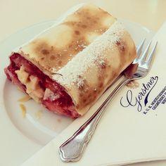 Strawberry Strudel from Gerstner Vienna. Hot Dog Buns, Hot Dogs, Strudel, Vienna, Strawberry, Sweets, Bread, Food, Strawberries