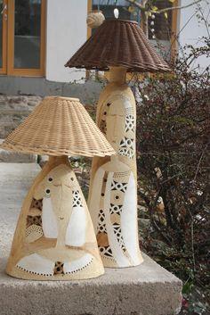 Lampa žena Isis a Thesis / Zboží prodejce zu straková Handmade Christmas Gifts, Unique Lamps, Decorative Bells, Stoneware, Objects, Lights, Thursday Night, Painting, Chandeliers