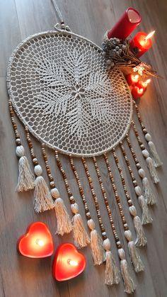 Crochet Mandala Pattern, Macrame Patterns, Crochet Doilies, Dream Catcher Patterns, Dream Catcher Craft, Crochet Wall Art, Crochet Wall Hangings, Black Dream Catcher, Dream Catcher Boho