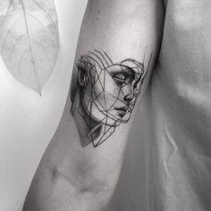 My fav tattoo Points+lines ♥️ . Line Tattoos, Flower Tattoos, Body Art Tattoos, Small Tattoos, Cool Tattoos, Tatoos, Geometric Face, Nouveau Tattoo, Mask Tattoo