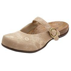 Women's Orthaheel Melissa Sandal the best shoe for plantar fascitis Teacher Shoes, Plantar Fasciitis Shoes, I Love My Shoes, Orthopedic Shoes, Slip On Mules, Latest Shoe Trends, Travel Shoes, Shoe Sale