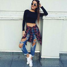 Look tumblr // calça jeans rasgada // all star