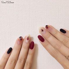 Pin by victoria McDonough on Beautiful nails in 2019 Hot Nails, Hair And Nails, Nail Manicure, Nail Polish, Nail Parlour, Matte Nail Art, Nail Art Stripes, Red Nail Designs, Nagel Gel