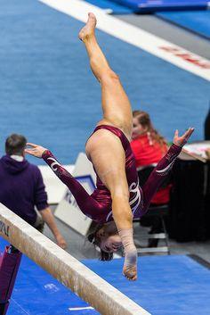 Acrobatic Gymnastics, Artistic Gymnastics, Gymnastics Girls, Flexible Girls, Human Poses Reference, Gymnastics Pictures, Female Gymnast, Military Girl, Pole Fitness