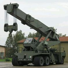Heavy Machinery, Military Vehicles, Building, Crane, Type 3, Theater, Facebook, Army Vehicles, Buildings