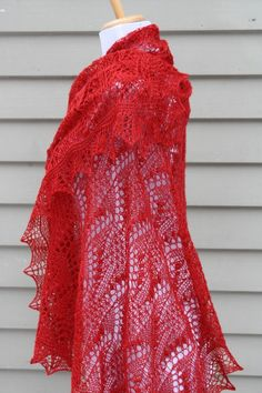 Knitted Lace Shawl Estonian Lace with Nupps Red by Rukodelnitsa