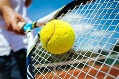 Learn how to play tennis with online tennis course. #howtoplaytennis #learntennisfast