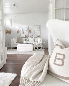 Living Room Goals, Living Room Decor, Living Rooms, Small Room Bedroom, Master Bedrooms, Loft, White Houses, Living Room Inspiration, Interior Design Living Room