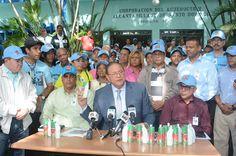 Armario de Noticias: Brigadas de la CAASD llevan insecticida y cloro a ...