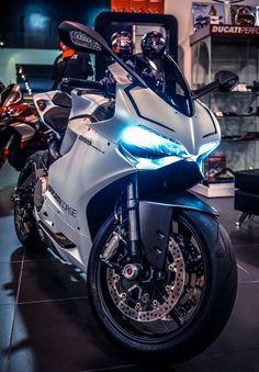 Ducati 899 Carbon Wheels