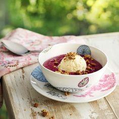 Mustaherukkavispipuuro paahdetulla valkosuklaalla ja jäätelöllä Cereal, Pudding, Baking, Eat, Breakfast, Desserts, Food, Morning Coffee, Tailgate Desserts