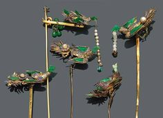 Five decorated gold phoenix-form hairpins & Six gold and kingfisher feather ornaments. Late Qing / Republic Period