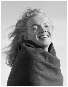 Marilyn Monroe by André De Dienes, 1946.