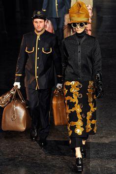 Louis Vuitton Fall 2012 Ready-to-Wear Fashion Show - Zuzanna Bijoch (Next)
