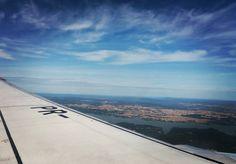 Desejo do dia: voar (sem passagem de volta!)   #CariocandoporaiRJ #viagemeturismo #viajar #avião #travel #trip #céu #cielo #viagem #desire #blogdeviagem #travelblog #trippics #viajolatras #beautifuldestinations #wanderlust #azul #Blue #love #euamoviajar by karlaalvesleal
