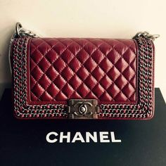 http://www.chics.pw/2016/12/23/chanel-boy-wine-red-waxed-leather/