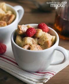 Looking for a little something sweet and comforting, but don't want any leftovers? Try this easy-to-make Microwaved French Toast for One. The cozy aroma of sweet cinnamon will fill the room in no time flat. It doesn't get any easier than this recipe. Breakfast Bowls, Best Breakfast, Breakfast Recipes, Breakfast Ideas, One Person Meals, Meals For One, Microwave French Toast, French Toast For One, Easy Microwave Recipes