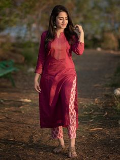 Kurti Neck Designs  LATEST KURTI NECK DESIGNS & SLEEVES DESIGN PHOTO GALLERY  | THEHANDMADECRAFT.IN  EDUCRATSWEB