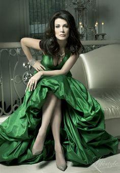 Lisa #Vanderpump in #emerald green - gorgeous!