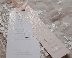Faire-part mariage Créatif - Cottonbird.fr - Faire-part mariage Créatif - Cottonbird. Wedding Stationery, Wedding Invitations, Save The Date, Boudoir, Marie, Wedding Day, Rose, Menu, Packaging