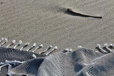 hamamdoek hamam towel Kidrak.  black-white herringbone.  50%bamboo/50% cotton Mooi!