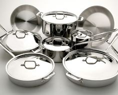 Did you know that you can make your stainless steel pans naturally nonstick? Learn how here in this great article ~ Buying And Cooking Tips For Stainless Steel Pans | WholeLifestyleNutrition.com