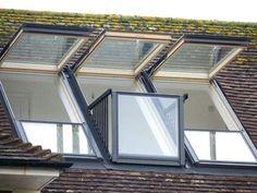 Fenêtre de toit Cabrio Velux. Se transforme en balcon.