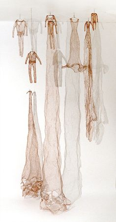 Laura Raboff, Knitted Copper Suits and Dresses Copper Wire 96 x 48 Sculpture Textile, Soft Sculpture, Instalation Art, Textile Artists, Brainstorm, Wire Art, Fabric Art, Oeuvre D'art, Art Inspo