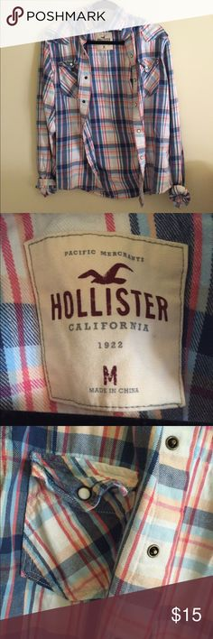 HOLLISTER FLANNEL It is in men's. Never worn and oversize. Perfect condition and warm Hollister Tops Button Down Shirts