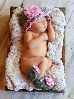 Newborn girl crochet hat baby girl hat and by BeautyOfCrochet, $26.00