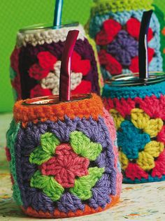 09 - Funda de mate - Crochet Souvenirs Crochet Coffee Cozy, Crochet Cozy, Crochet Quilt, Crochet Granny, Diy Crochet, Crochet Christmas Gifts, Crochet Gifts, Crochet Classes, Crochet Projects