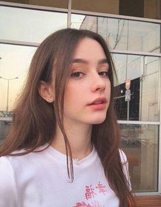 Dasha Taran (II) pictures and photos Ullzang Girls, Cute Girls, Cute Korean Girl, Cute Girl Face, Beautiful Girl Photo, Beautiful Women, Brunette Girl, Cute Beauty, Girl Photography Poses