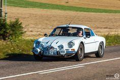 Alpine A110 aux 48h Automobiles de Troyes #MoteuràSouvenirs Reportage : http://newsdanciennes.com/2016/09/12/les-48h-automobiles-de-troyes-2016-cetaient-quatre-jours-de-bonheur/