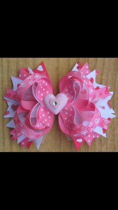 Love this! I have a serious issue! Lol... addicted to hair bows for my princess!