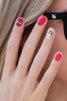 Transform your traditional manicure to one that is bold and expressive with inspiration from the OPI nail art gallery. Get art tutorials and more. Kawaii Nail Art, Cat Nail Art, Cat Nails, Pink Nails, Hello Kitty Bow, Hello Kitty Nails, Beach Nail Art, Summer Toe Nails, Spring Nail Art
