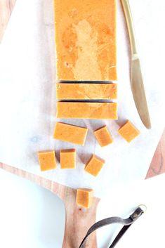 Karamel med appelsin og nelliker Christmas Preparation, Snack Recipes, Snacks, Sweet Tooth, Sweet Treats, Food, Candy, Tattoos, Snack Mix Recipes