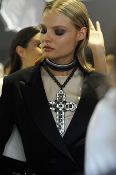 lanvin ss12 close up  Its that necklace that counts