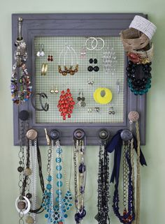 makeup-storage-ideas-10, Photo  makeup-storage-ideas-10 Close up View.