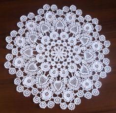 white Luxury handmade crochet doily for weddingThis is the lace handmade doily with love! Good for wedding gift.Heklanje plus: Ćipkasta salvet Crochet Table Topper, Crochet Tablecloth Pattern, Crochet Poncho Patterns, Doily Patterns, Crochet Motif, Heart Patterns, Lace Doilies, Crochet Doilies, Crochet Lace